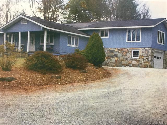 3044 Flat Creek Valley Road, Lake Toxaway, NC 28747 (#3474232) :: Puffer Properties