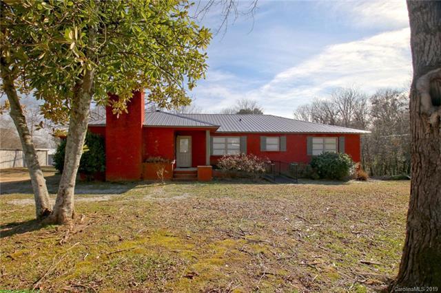1504 E Rutherford Street, Landrum, SC 29356 (#3474248) :: Homes Charlotte
