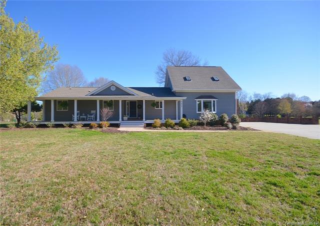 8623 Mcilwaine Road, Huntersville, NC 28078 (#3474288) :: Cloninger Properties