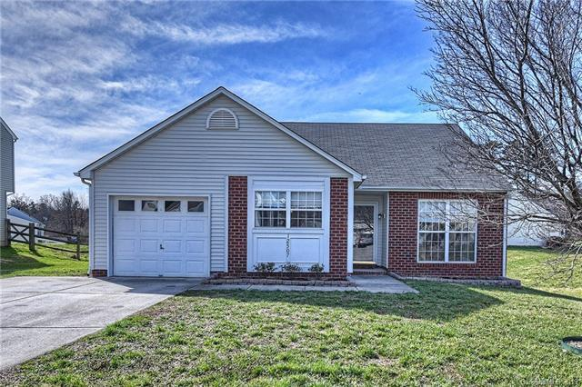 12507 Shelly Pines Drive, Charlotte, NC 28262 (#3474365) :: The Ramsey Group