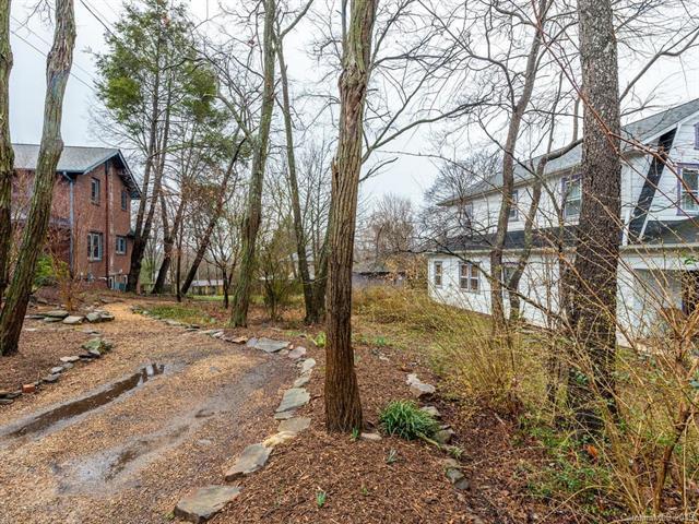 7 Longview Road, Asheville, NC 28806 (#3474754) :: MartinGroup Properties