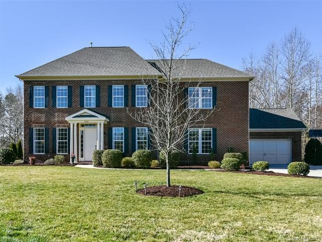 3005 Botetourt Court, Weddington, NC 28104 (#3474916) :: The Andy Bovender Team