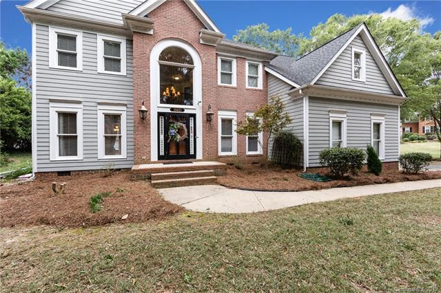 15621 Woodland Ridge Lane, Charlotte, NC 28278 (#3474952) :: High Performance Real Estate Advisors