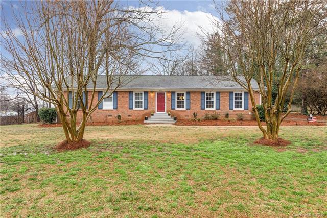 8707 Bedford Road, Charlotte, NC 28214 (#3475035) :: Homes Charlotte