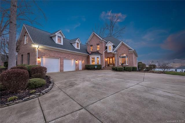 143 Castles Gate Drive, Mooresville, NC 28117 (#3475149) :: The Temple Team