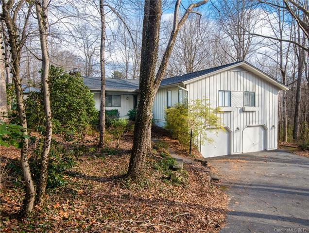3020 Chestnut Tree Road, Hendersonville, NC 28792 (#3475288) :: LePage Johnson Realty Group, LLC