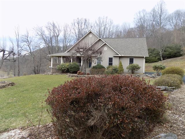 207 Presidential Drive, Waynesville, NC 28786 (#3475393) :: Exit Mountain Realty