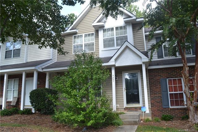 5837 Cougar Lane, Charlotte, NC 28269 (#3475526) :: The Temple Team