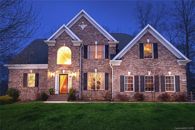 10508 Devonshire Drive, Huntersville, NC 28078 (#3475530) :: Roby Realty