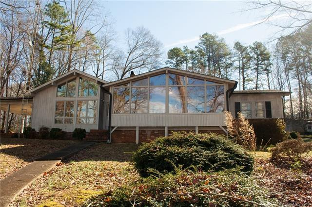 1367 Roundstone Road, Sherrills Ford, NC 28673 (#3475545) :: LePage Johnson Realty Group, LLC