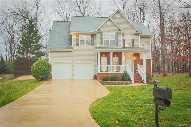 15108 Castlebridge Lane, Matthews, NC 28104 (#3475611) :: Zanthia Hastings Team