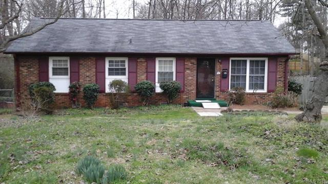 6800 Barrington Drive, Charlotte, NC 28215 (#3475615) :: The Andy Bovender Team