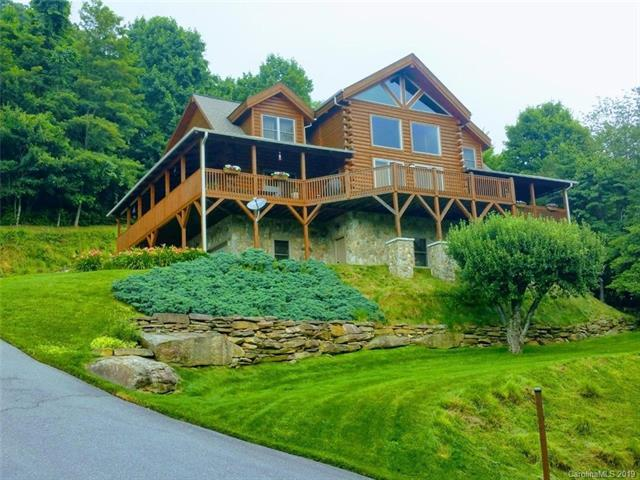 268 Cub Trail, Maggie Valley, NC 28751 (#3475677) :: The Andy Bovender Team
