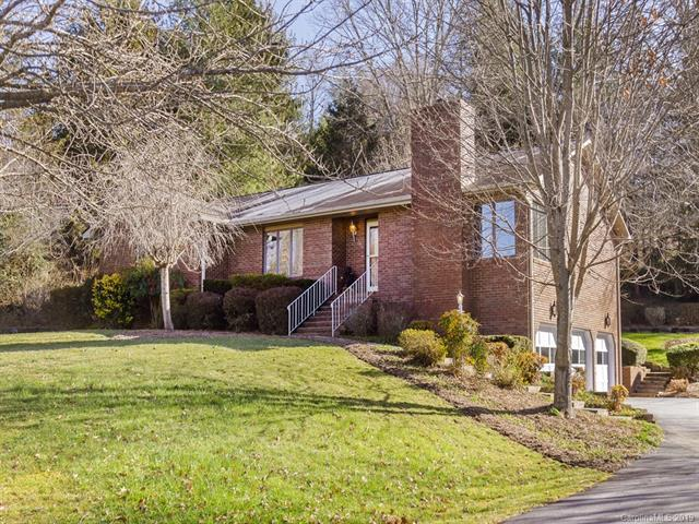141 Mountain Valley Drive, Hendersonville, NC 28739 (#3476394) :: Exit Mountain Realty