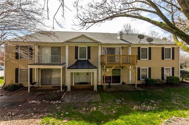 7028 Quail Hill Road, Charlotte, NC 28210 (#3476580) :: MartinGroup Properties