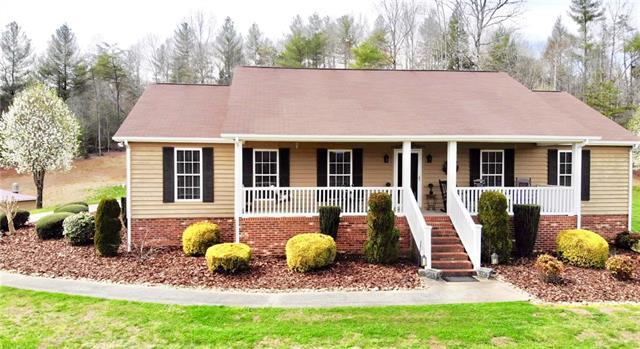 4424 Heritage Hills Place, Lenoir, NC 28645 (#3476764) :: Puma & Associates Realty Inc.