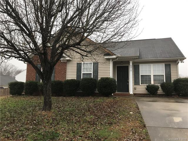 6815 Vernon Wood Lane, Charlotte, NC 28262 (#3476894) :: Homes Charlotte