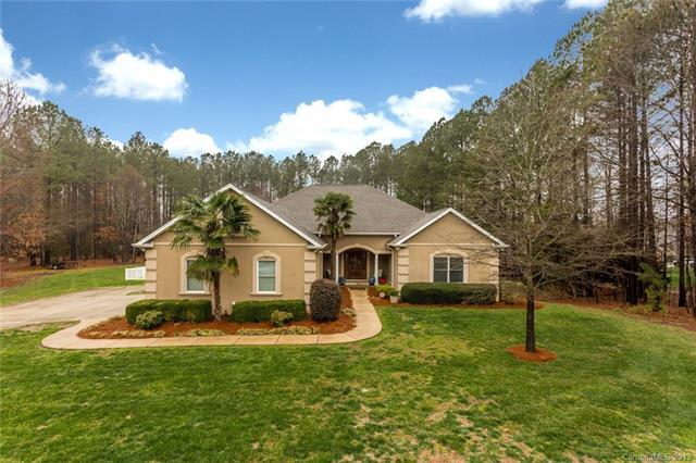 5203 Lake Wylie Road, Clover, SC 29710 (#3477128) :: Homes Charlotte