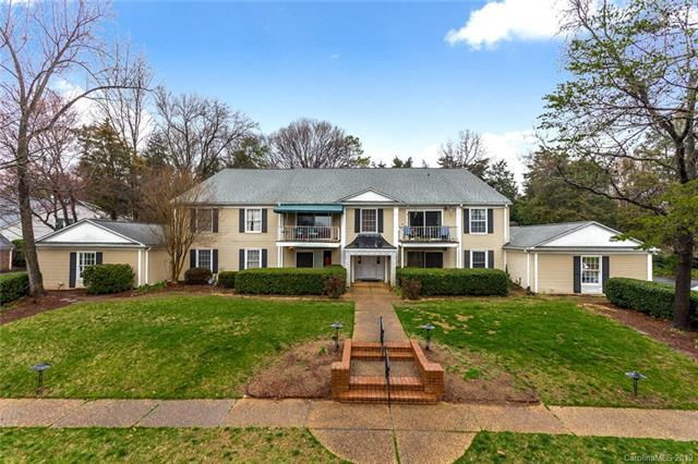 7024 Quail Hill Road, Charlotte, NC 28210 (#3477375) :: Keller Williams South Park