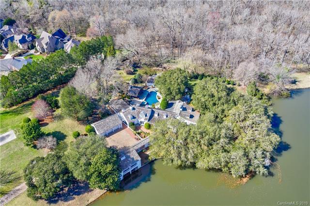 8707 Lake Challis Lane, Charlotte, NC 28226 (#3477557) :: LePage Johnson Realty Group, LLC