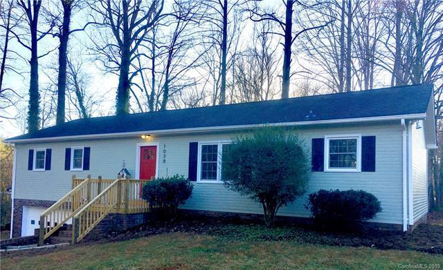 1038 S Main Avenue, Newton, NC 28658 (#3477633) :: Puma & Associates Realty Inc.