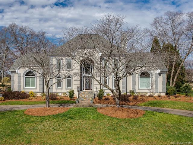 5710 Providence Country Club Drive, Charlotte, NC 28277 (#3478236) :: The Ramsey Group