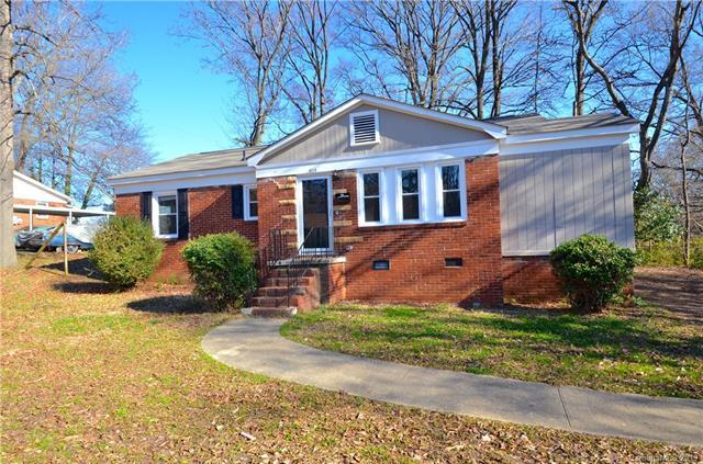 4114 Tillman Road, Charlotte, NC 28208 (#3478436) :: Exit Mountain Realty