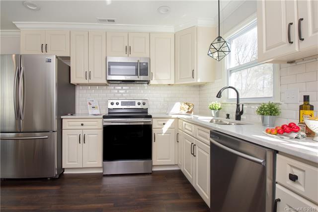 4300 Strangford Avenue, Charlotte, NC 28215 (#3478597) :: LePage Johnson Realty Group, LLC