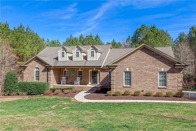 5112 Stockbridge Drive, Mount Holly, NC 28120 (#3479198) :: Homes Charlotte