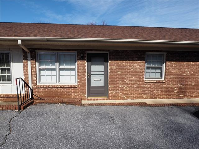 525 12th Street SW, Hickory, NC 28602 (#3479375) :: Odell Realty