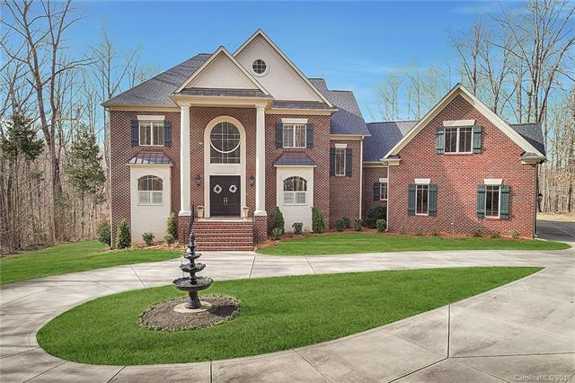 230 Chaucer Lane, Matthews, NC 28104 (#3479439) :: Team Honeycutt