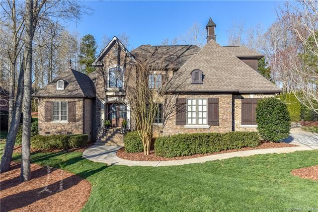 8233 Victoria Lake Drive, Waxhaw, NC 28173 (#3480120) :: Cloninger Properties