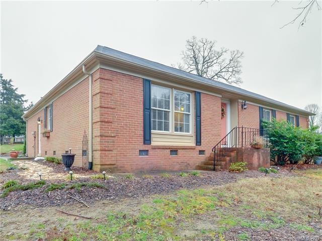 6303 Thermal Road, Charlotte, NC 28211 (#3480570) :: LePage Johnson Realty Group, LLC