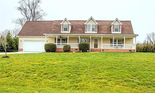 132 Top Flite Drive, Statesville, NC 28677 (#3480657) :: Exit Mountain Realty