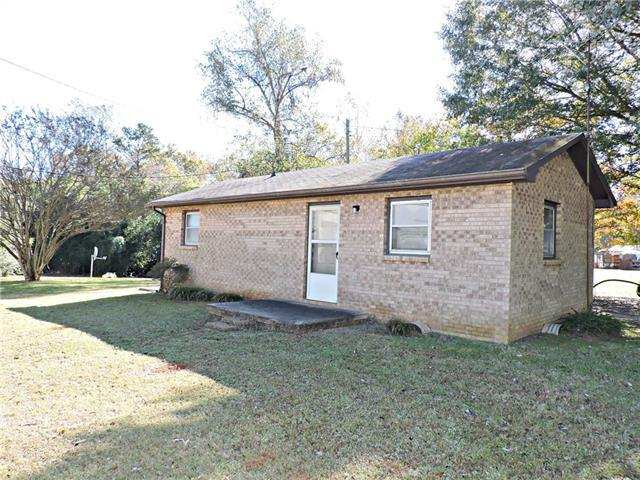 3624 Hickory Lincolnton Highway, Newton, NC 28658 (#3481066) :: Exit Mountain Realty