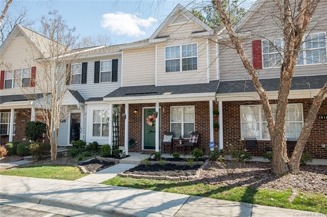 10114 Frosty Lane, Charlotte, NC 28216 (#3481325) :: Exit Mountain Realty