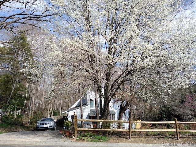 7831 Briardale Drive, Charlotte, NC 28212 (#3481396) :: Herg Group Charlotte