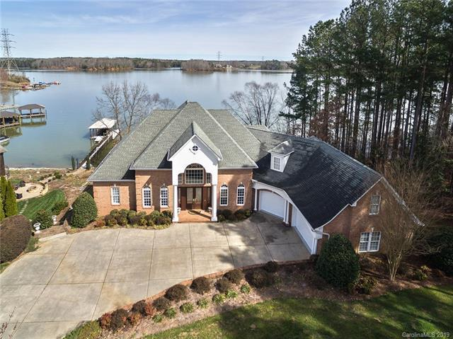 9216 Sherbourne Lane, Sherrills Ford, NC 28673 (#3481611) :: LePage Johnson Realty Group, LLC