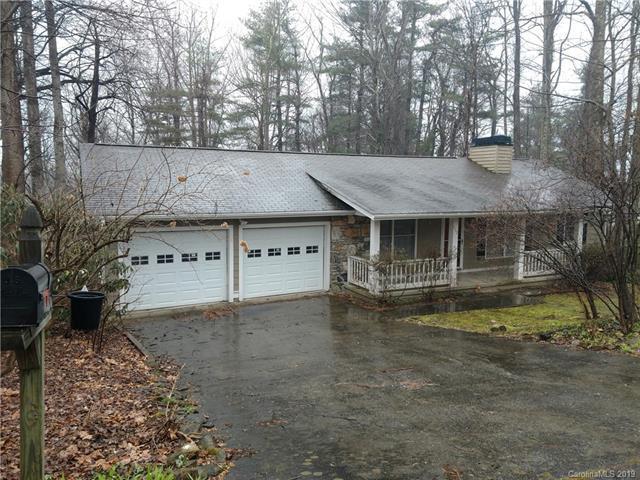 117 Pinnacle Circle, Hendersonville, NC 28739 (#3481652) :: Cloninger Properties