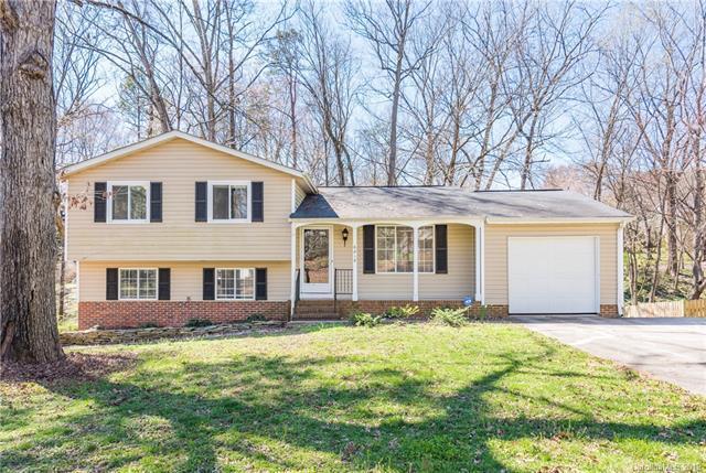 6818 Rollingridge Drive, Charlotte, NC 28211 (#3481823) :: MECA Realty, LLC