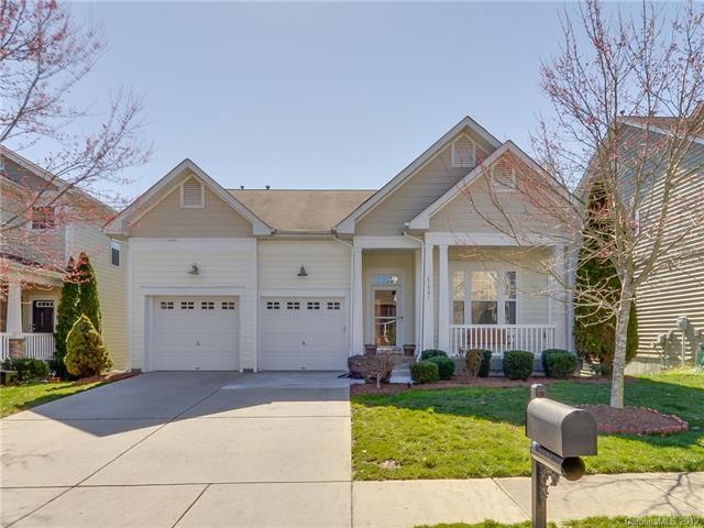 3021 Grande Heights Drive, Charlotte, NC 28269 (#3482206) :: Herg Group Charlotte