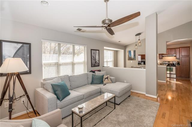 417 Olmsted Park Place E, Charlotte, NC 28203 (#3482474) :: SearchCharlotte.com