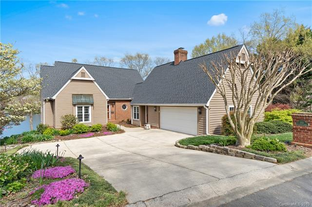 445 Cranborne Chase, Fort Mill, SC 29708 (#3482879) :: Team Honeycutt