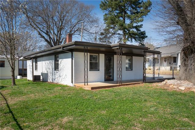 1508 Beechwood Drive W, Gastonia, NC 28052 (#3482887) :: Herg Group Charlotte