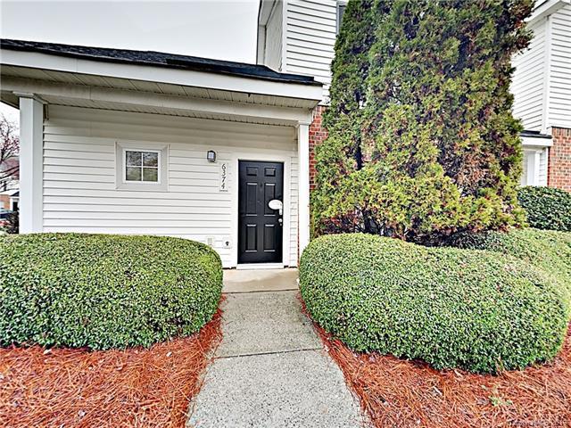 6374 Mallard View Lane, Charlotte, NC 28269 (#3482906) :: RE/MAX RESULTS