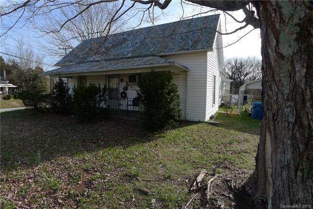 176 Pine Street, Mocksville, NC 27028 (#3483097) :: Miller Realty Group