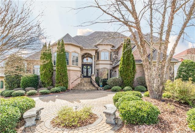 4040 Blossom Hill Drive, Matthews, NC 28104 (#3483234) :: David Hoffman Group