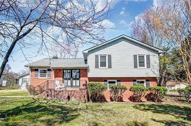 15333 Catawba Circle, Matthews, NC 28104 (#3483308) :: LePage Johnson Realty Group, LLC