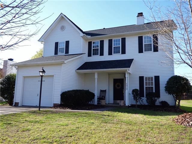 4019 Huntmeadow Drive, Charlotte, NC 28269 (#3484725) :: Exit Mountain Realty