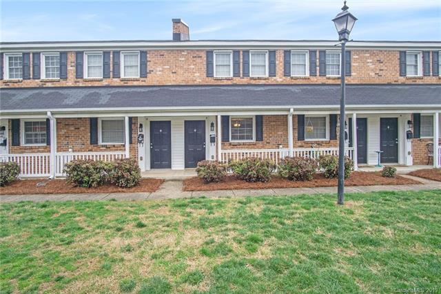 1344 Green Oaks Lane F, Charlotte, NC 28205 (#3485105) :: Odell Realty